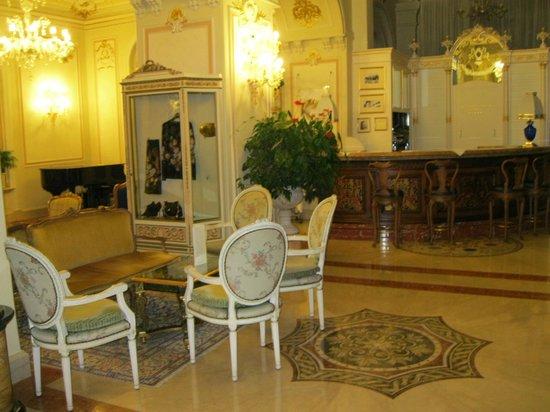 Grand Hotel Des Iles Borromees : Зона ожидания