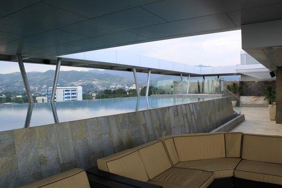 Best Western Plus Lex Cebu: Pool area