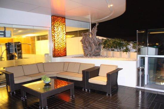 Best Western Plus Lex Cebu : Roof no bar