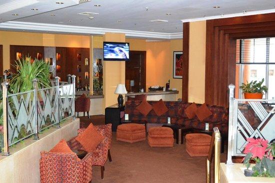 Hilton Hurghada Plaza: Lobby bar