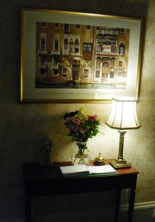 Coppice House: tasteful corner