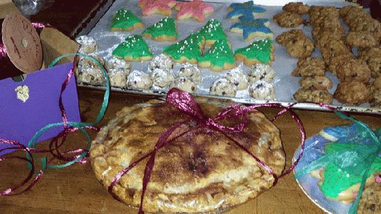 Hartwell House Inn: Charlene's Homemade Apple Pie - Christmas 2013