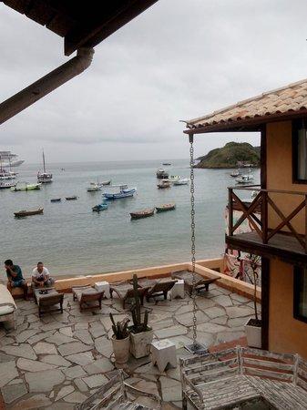 Nomad Buzios Seashore Hostel: Vista da janela lateral do quarto