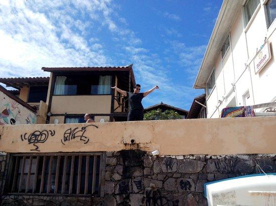 Nomad Buzios Seashore Hostel: fundos do hostel