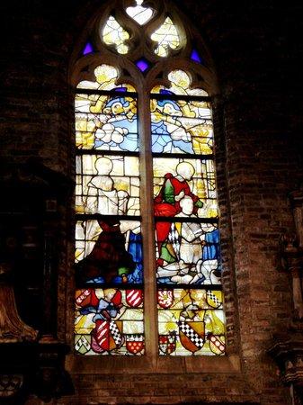 Jerusalem Church (Jeruzalemkerk): Витражи западной стены церкви