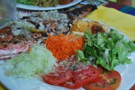 Chez Liline : poissons grillés et crudités