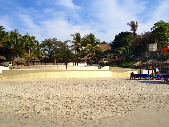 Grand Palladium Vallarta Resort & Spa : Taken from water's edge