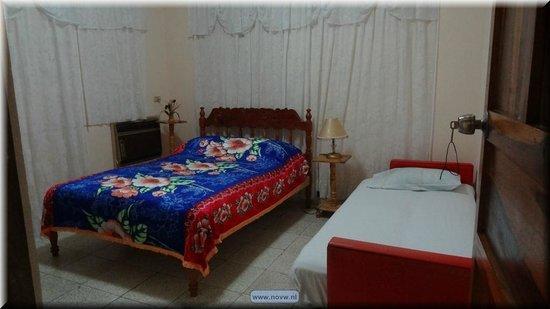Odalys Perez y Manolo: room