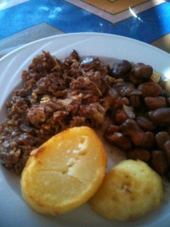 Ekadolli Nubian Guesthouse: Breakfast of champions. So fresh!