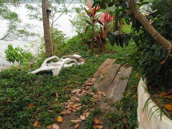 Bhuvarin Resort: jardin