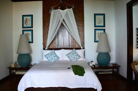Four Seasons Resort Koh Samui Thailand: Lamps taller than my wife.
