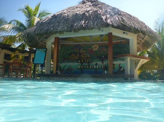Los Porticos Villas: pool bar