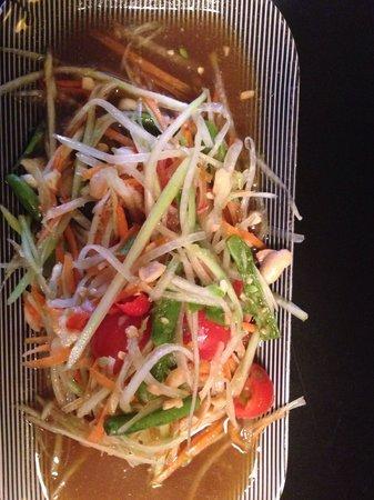 Bangkok Cafe: Green papaya salad