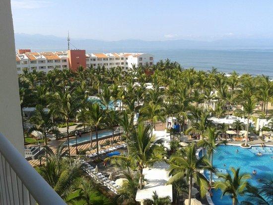 Hotel Riu Vallarta: Vista al Mar y resto de hotel desde la habitación