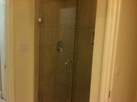 Westgate Lakes Resort & Spa: Shower
