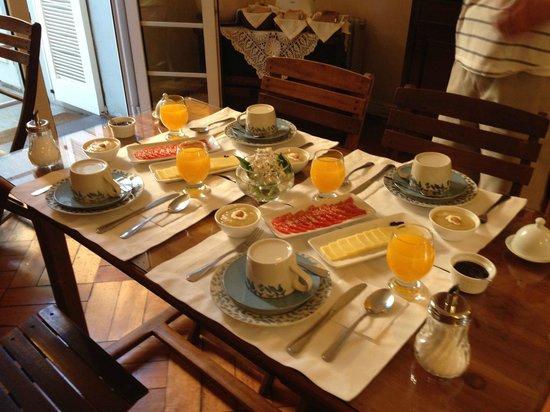 Vilafranca Petit Hotel: café da manhã delicioso