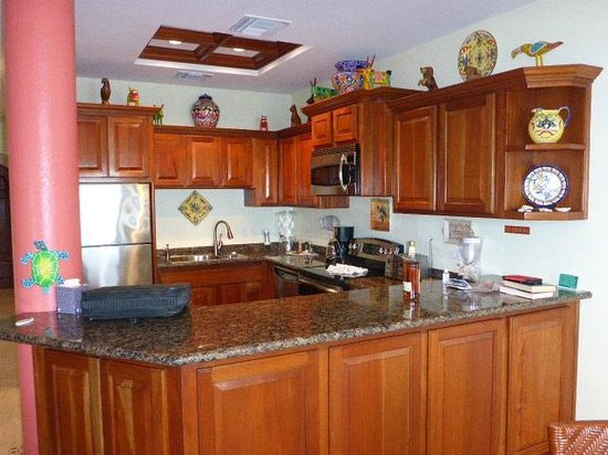 Grand Caribe Belize Resort and Condominiums : Lovely kitchen