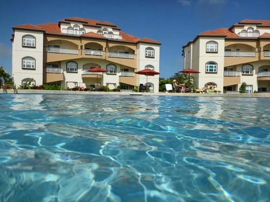 Grand Caribe Belize Resort and Condominiums : giant pool!