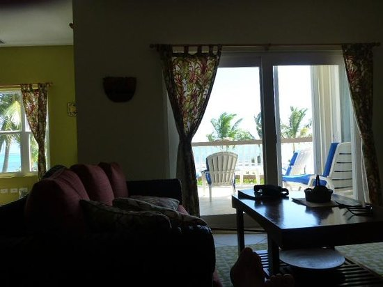 Grand Caribe Belize Resort and Condominiums : view from the family room