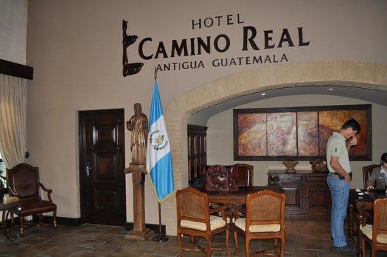 Camino Real Tikal: хол отеля