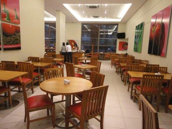 la table rouge restaurant and bar santiago fotos y restaurante opiniones tripadvisor. Black Bedroom Furniture Sets. Home Design Ideas