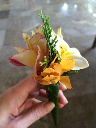 Belmond Jimbaran Puri: welcome flower arrangement