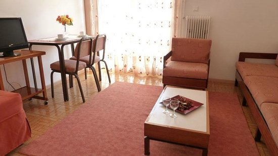 Zina Hotel Apartments : economy category dining room