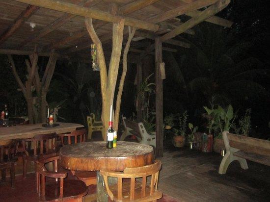 El Jardin Tortuga: Dining room