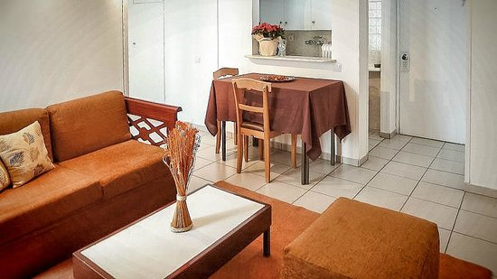 Zina Hotel Apartments : economy category lady apartment