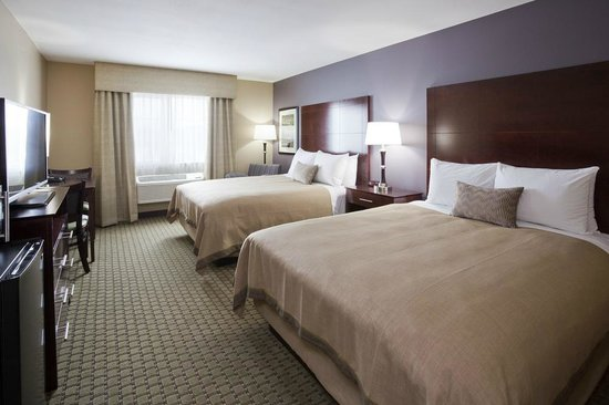 GrandStay Hotel & Suites Thief River Falls: Two Queen Suite
