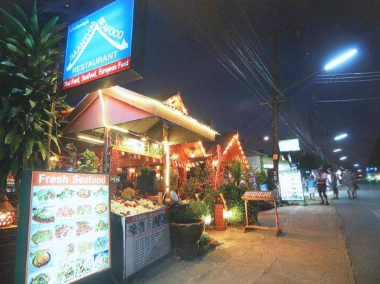 Baanthai Seafood Restaurant: Side view
