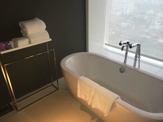 Mode Sathorn Hotel: bathroom