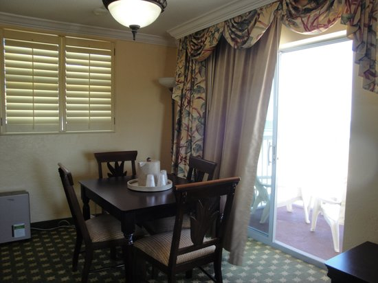Quality Inn & Suites On The Beach: Private Dining Room