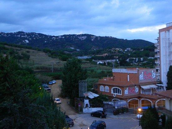 Hotel President: вид на горы