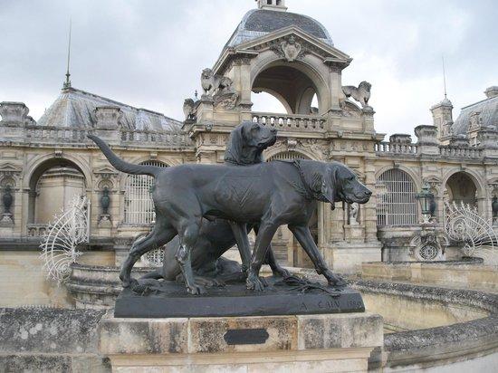 Château de Chantilly : entré bien gardée (bis)