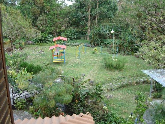 Hotel Dos Rios : gardens