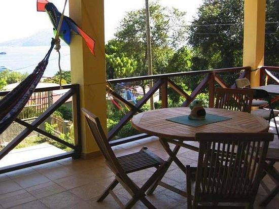B&B Hotel Cerrito: Front veranda