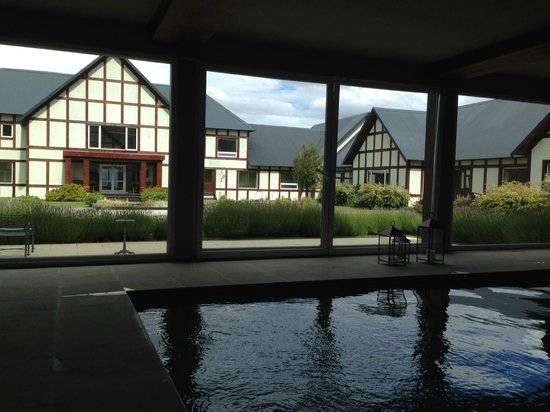 EOLO - Patagonia's Spirit: View of main entrance from the pool.