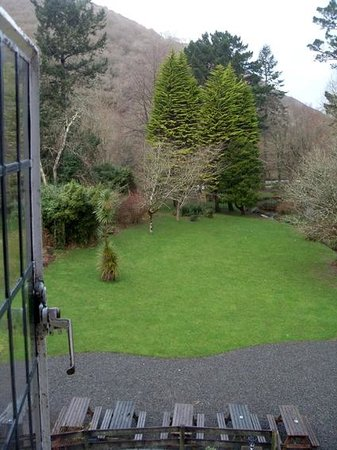 The Hunters Inn: View from the room to the back garden
