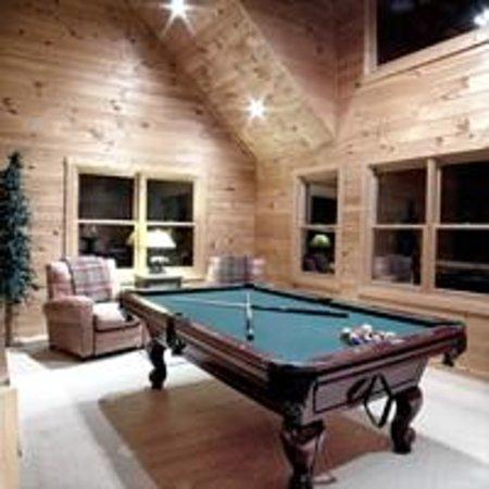 Big Bear Lodge Pool Table Picture Of Above The Rest Cabins Blue Ridge Tripadvisor