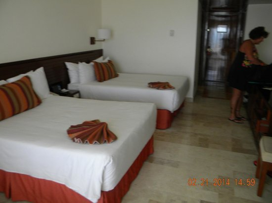 Melia Puerto Vallarta All Inclusive : our room many have 2 doubles or one king