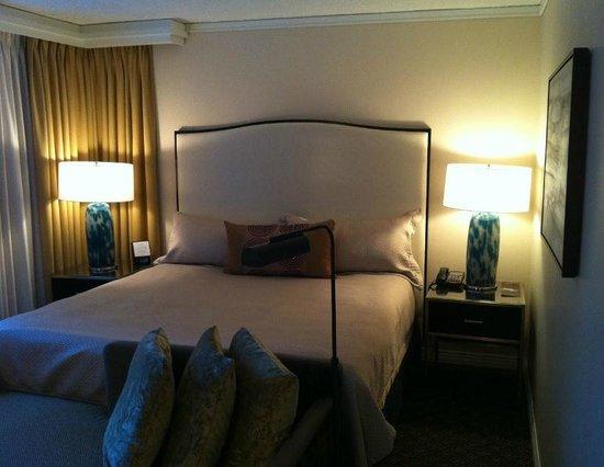 Hotel Omni Mont-Royal: Bed