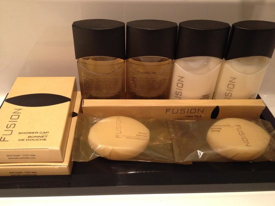 Hotel de France: The toiletries located in the bathroom.