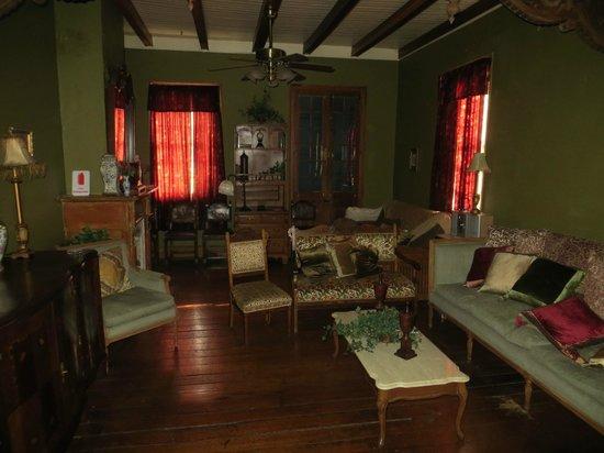 The Kerlerec House : Living room