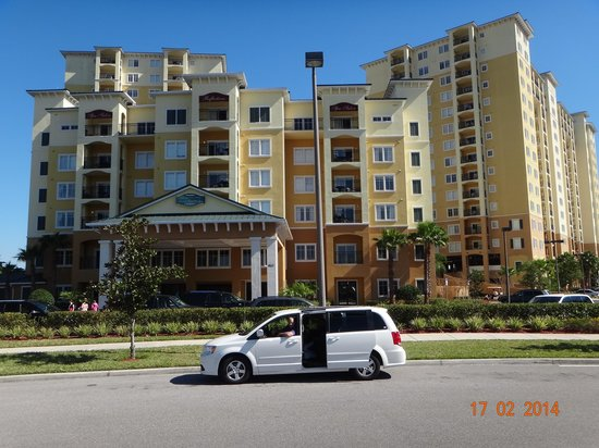 Lake Buena Vista Resort Village & Spa: In front of the Resort, and I in the car