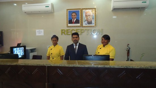 Rainbow Hotel: MANAGER WITH STAFF