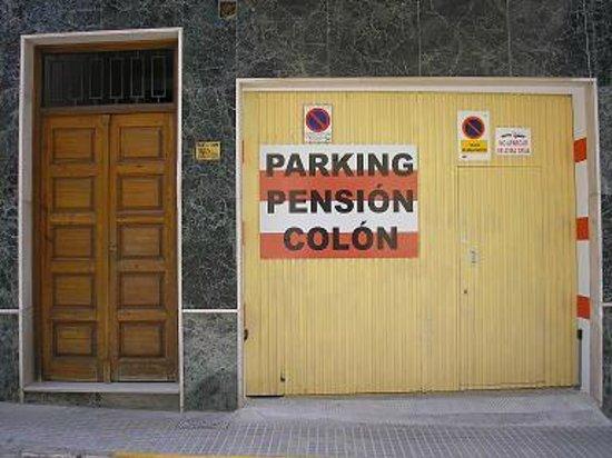 Hospederia Colon Antequera: Garaje Privado Hostal Colon antequera