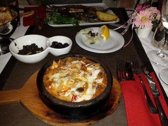 Tria Elegance Restaurant : Cacerola de pescado