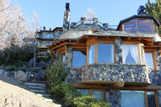 Lirolay Suites: Vista desde la playa