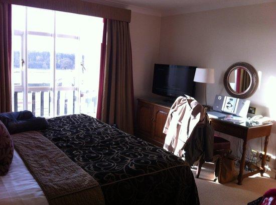 Carden Park Hotel : Bedroom with HUGE bed!